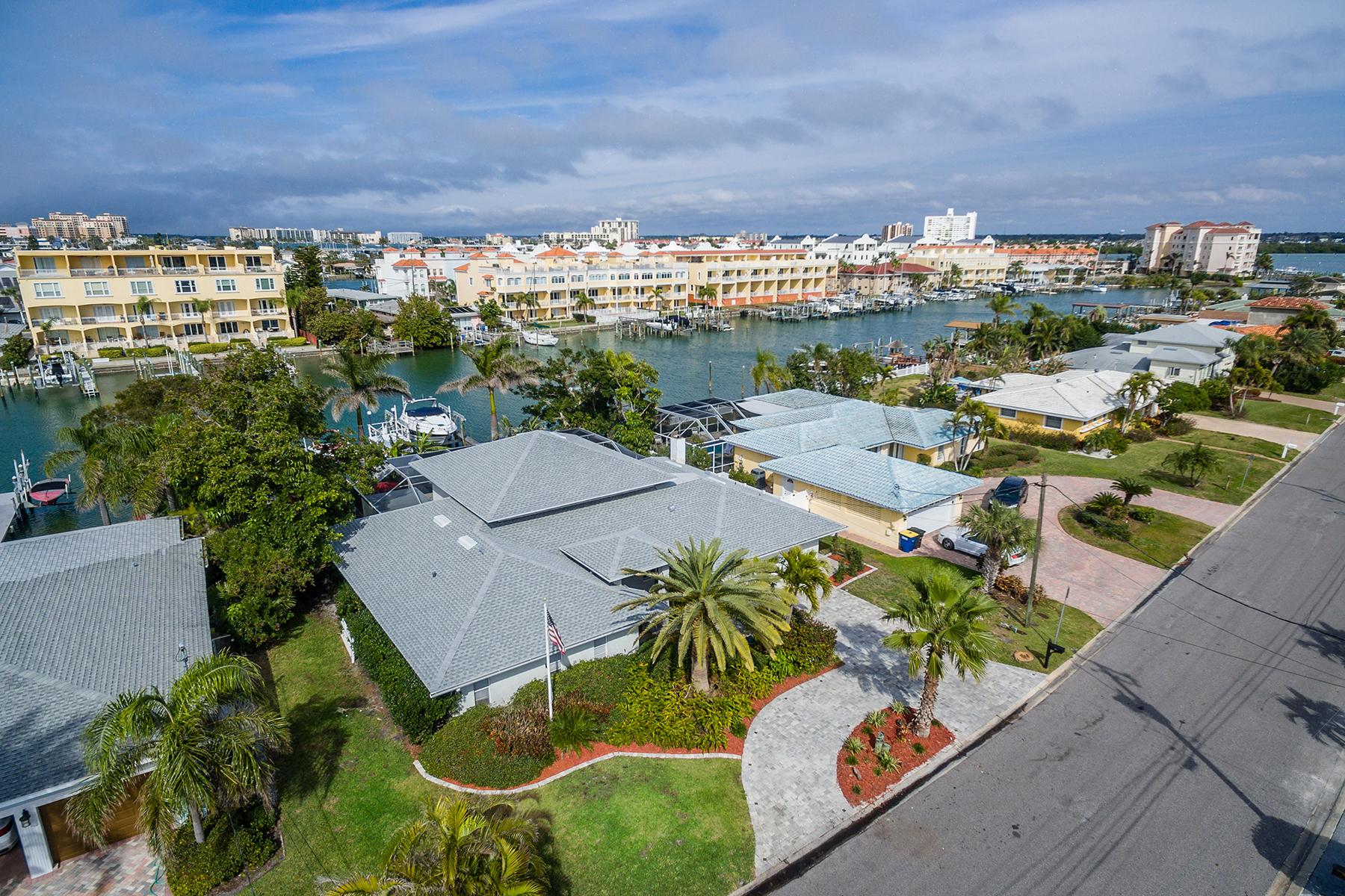 단독 가정 주택 용 매매 에 CLEARWATER BEACH 130 Bayside Dr, Clearwater Beach, 플로리다, 33767 미국