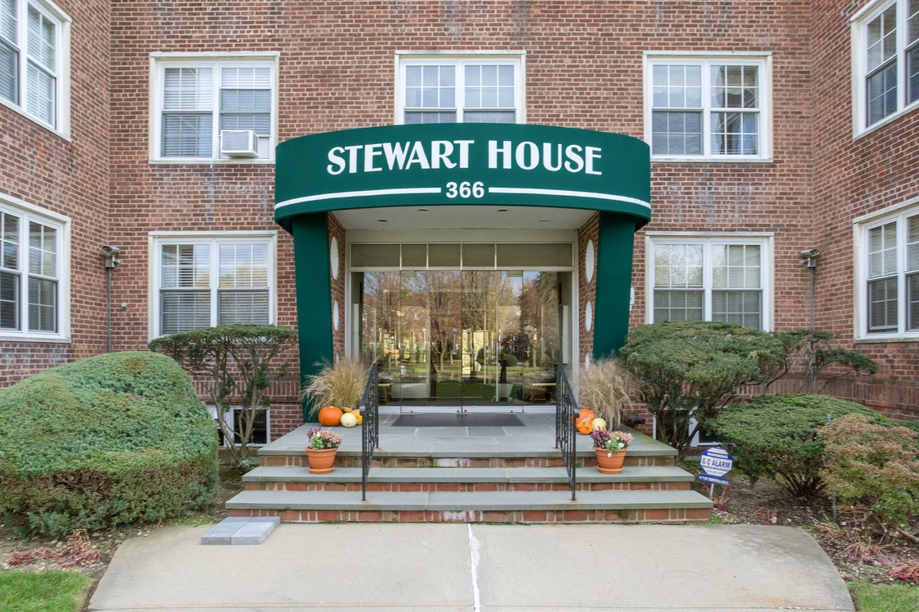Co-op for Sale at 366 Stewart Ave , C10, Garden City, NY 11530 366 Stewart Ave C10, Garden City, New York, 11530 United States