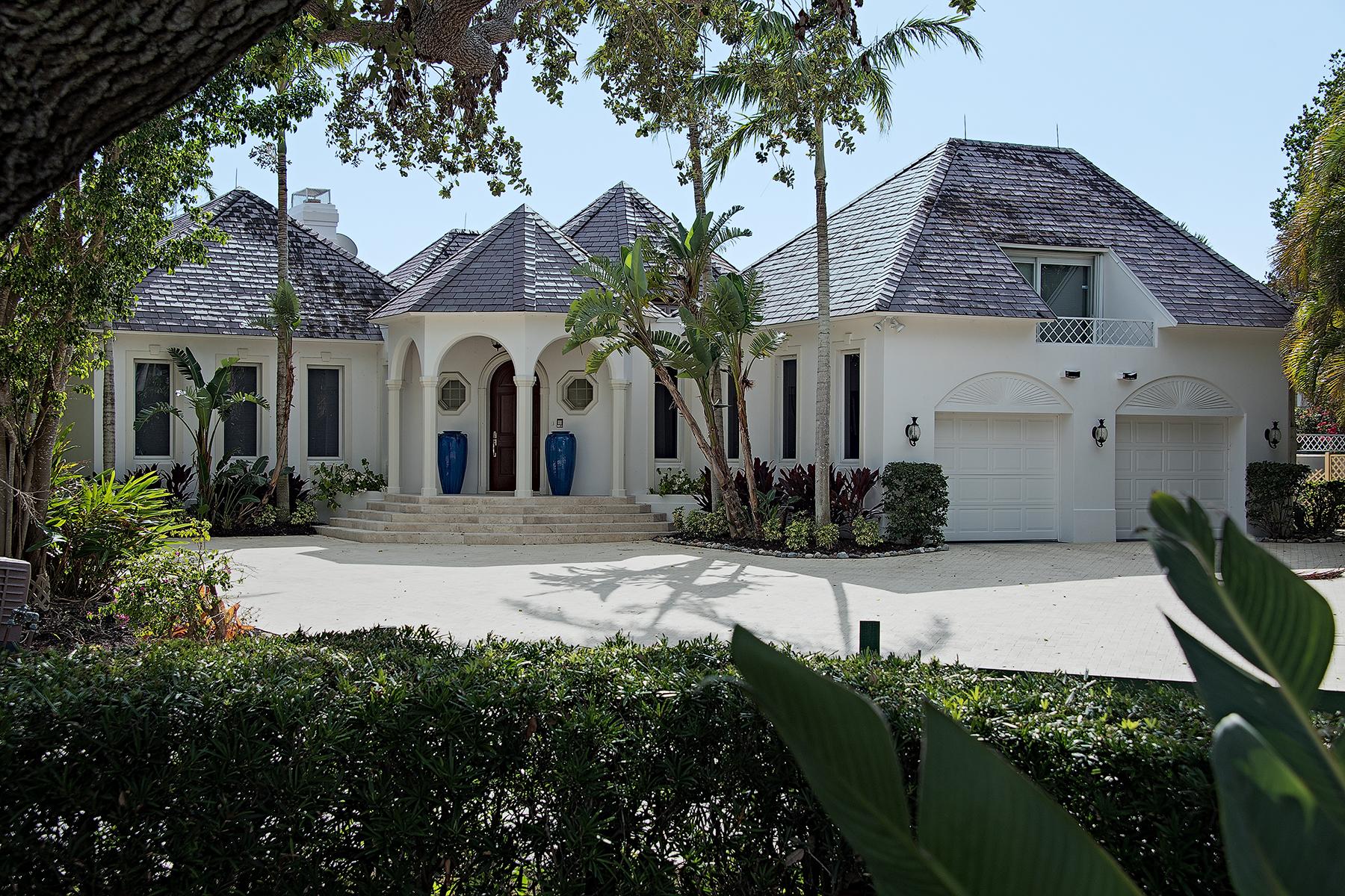 single family homes for Active at PORT ROYAL 1390 Spyglass Lane Naples, Florida 34102 United States