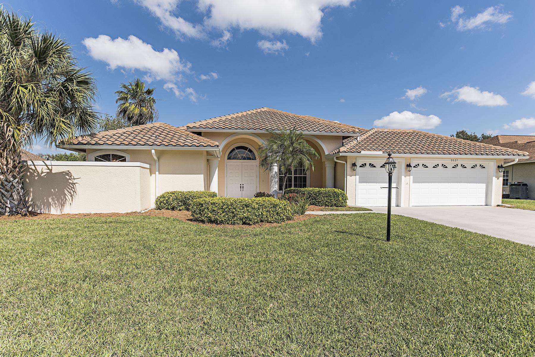 Single Family Home for Sale at Naples 2027 Teagarden Ln Naples, Florida, 34110 United States