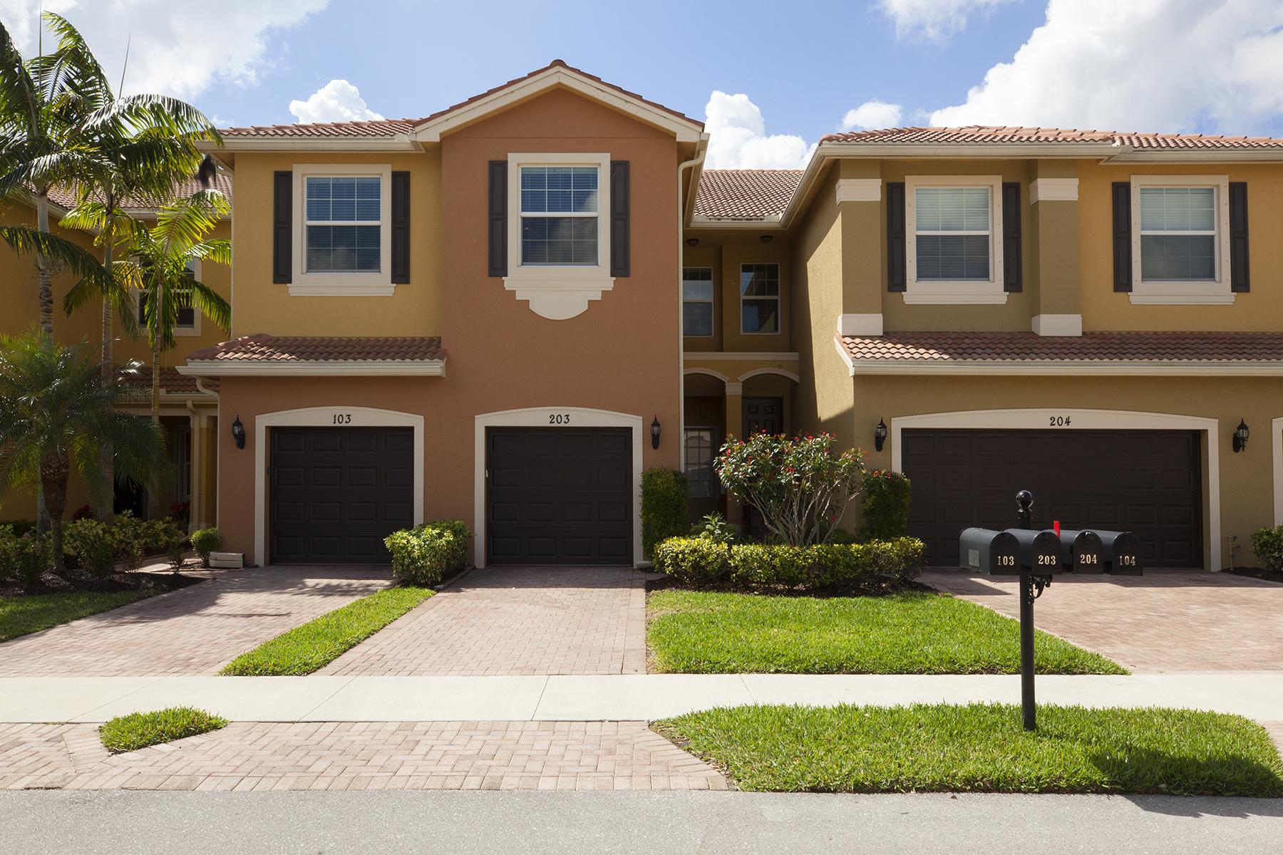 共管式独立产权公寓 为 销售 在 MARBELLA LAKES 6521 Monterey Pt 203, 那不勒斯, 佛罗里达州, 34105 美国