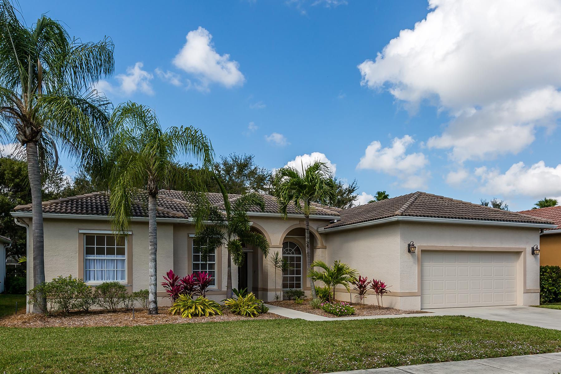 独户住宅 为 销售 在 LAUREL LAKES 8508 Laurel Lakes Blvd 那不勒斯, 佛罗里达州, 34119 美国