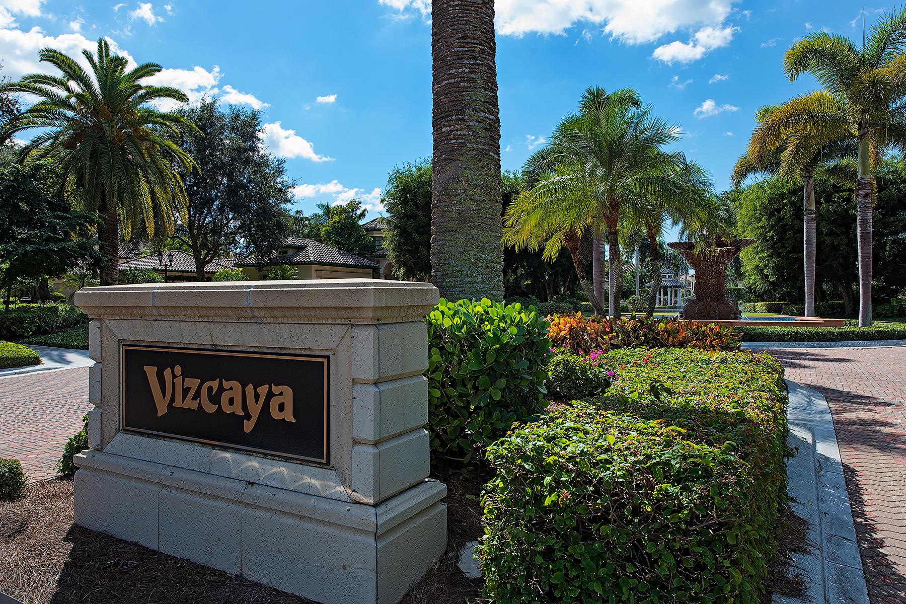 Casa para uma família para Venda às PELICAN BAY - VIZCAYA AT BAY COLONY 7855 Vizcaya Way Naples, Florida, 34108 Estados Unidos