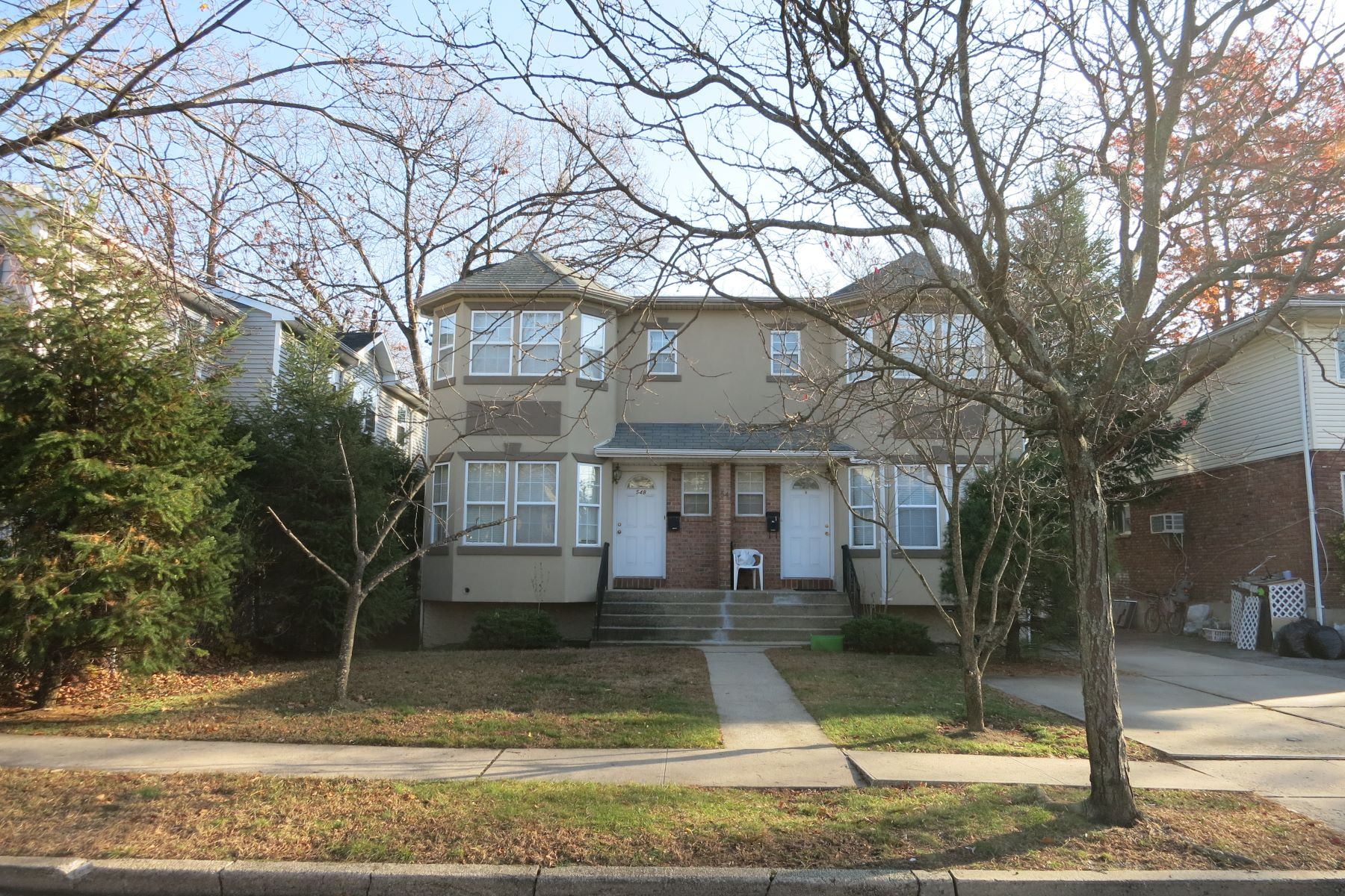 Multi-Family Home for Rent at 54 Inwood Rd , Port Washington, NY 11050 54 Inwood Rd Port Washington, New York 11050 United States