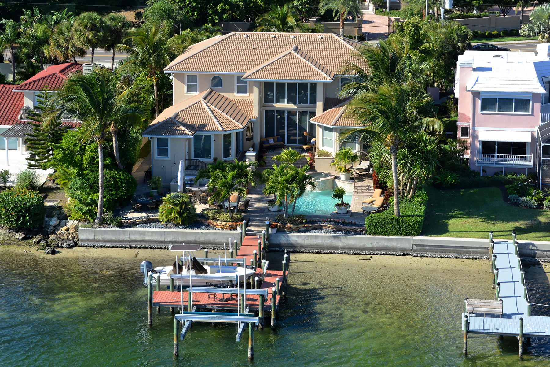 Частный односемейный дом для того Продажа на LIDO C 1448 John Ringling Pkwy Sarasota, Флорида, 34236 Соединенные Штаты