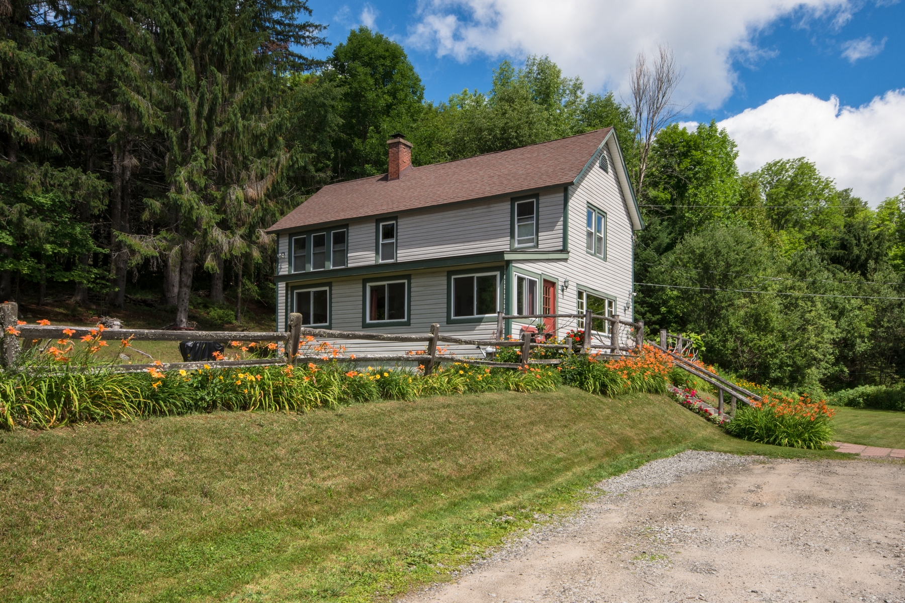 Additional photo for property listing at Historic Mountain View Home 635  County Route 47 Saranac Lake, New York 12983 United States