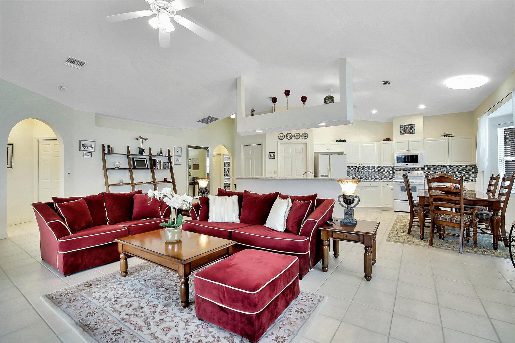 獨棟家庭住宅 為 出售 在 PEPPERTREE POINTE - WATER'S EDGE 14450 Laguna Dr, Fort Myers, 佛羅里達州, 33908 美國