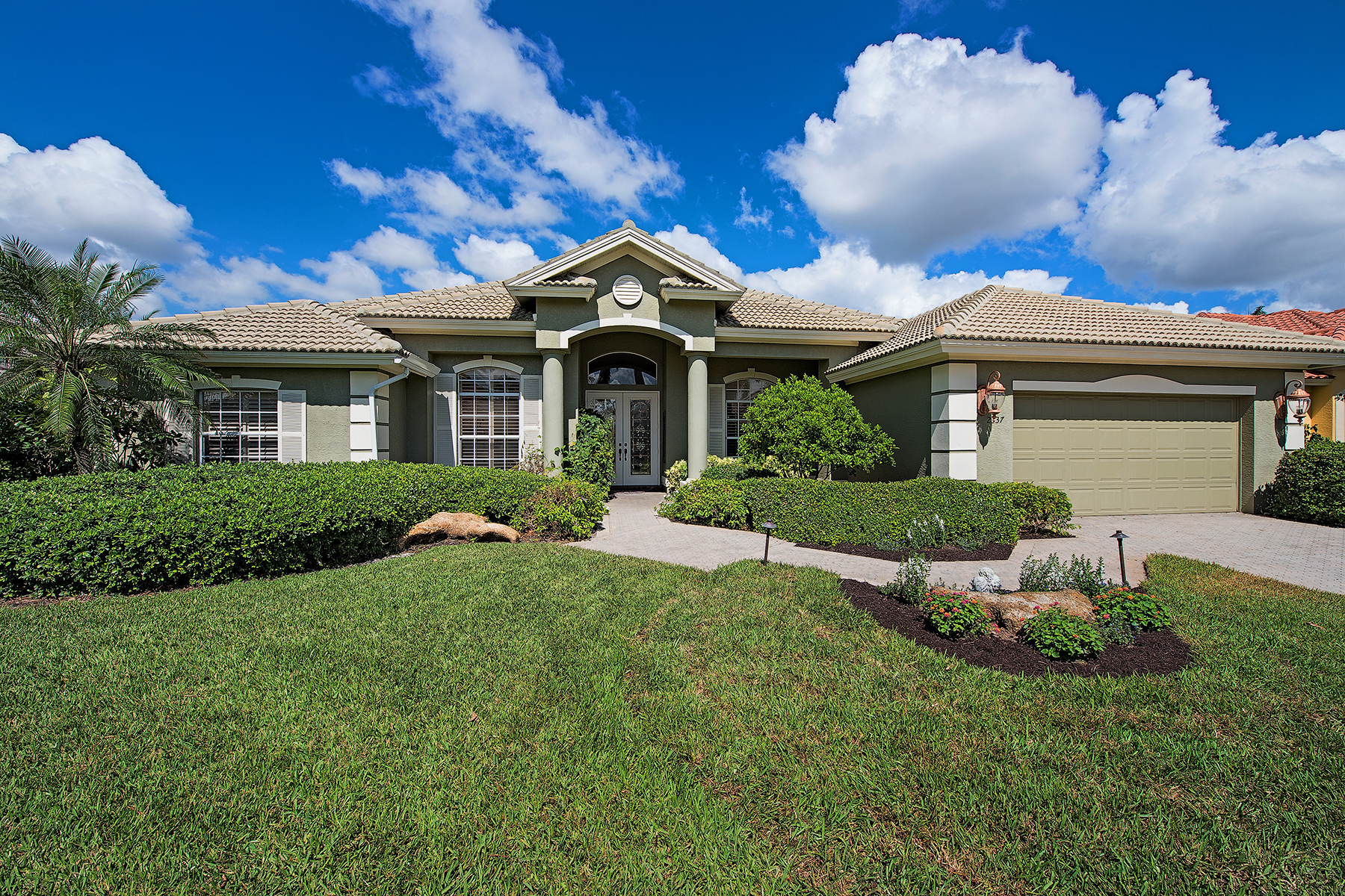 Single Family Home for Sale at 2337 Cheshire Ln , Naples, FL 34109 2337 Cheshire Ln, Naples, Florida 34109 United States