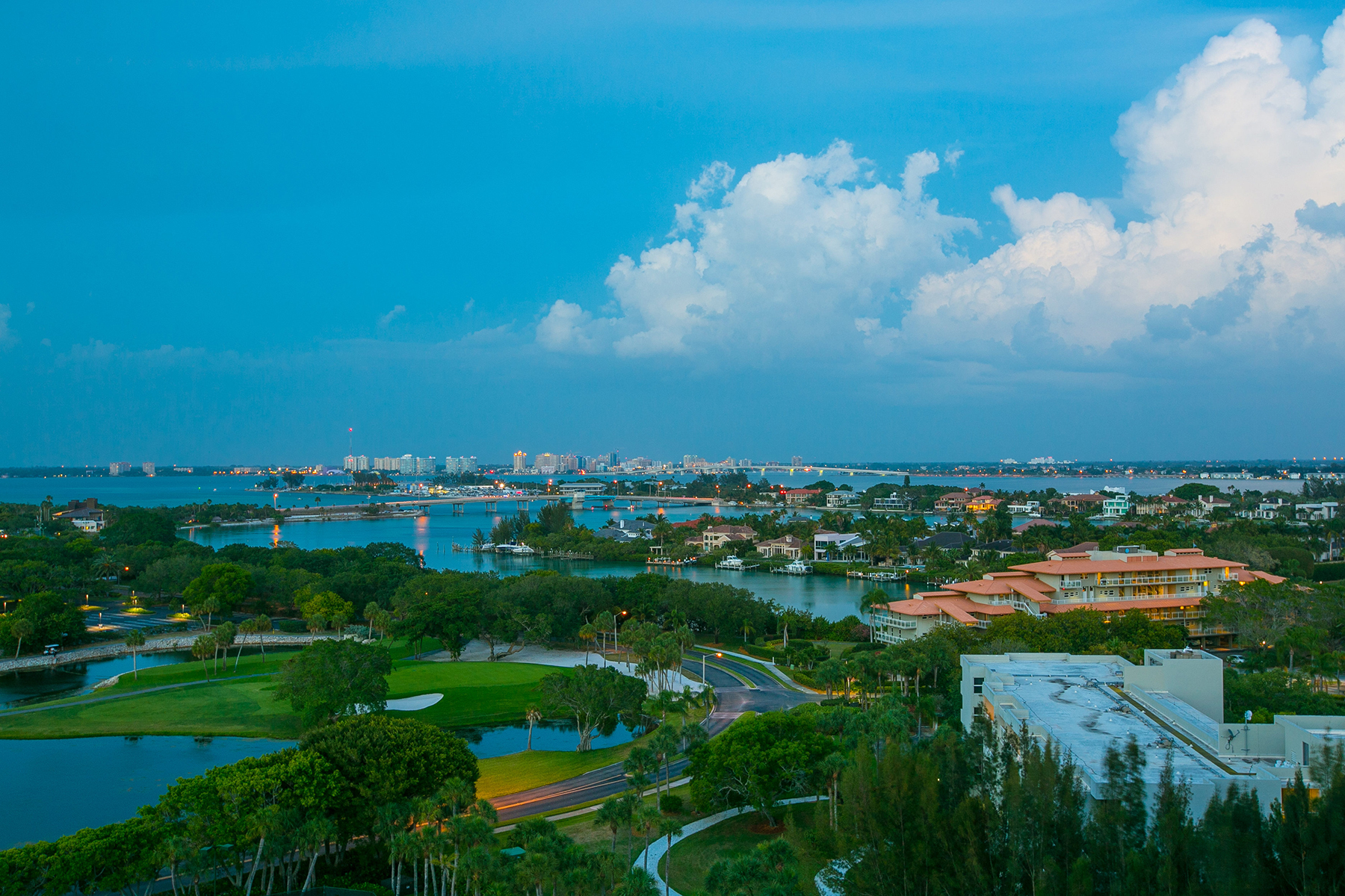 Additional photo for property listing at L AMBIANCE AT LONGBOAT KEY 415  L Ambiance Dr C704-5,  Longboat Key, Florida 34228 United States