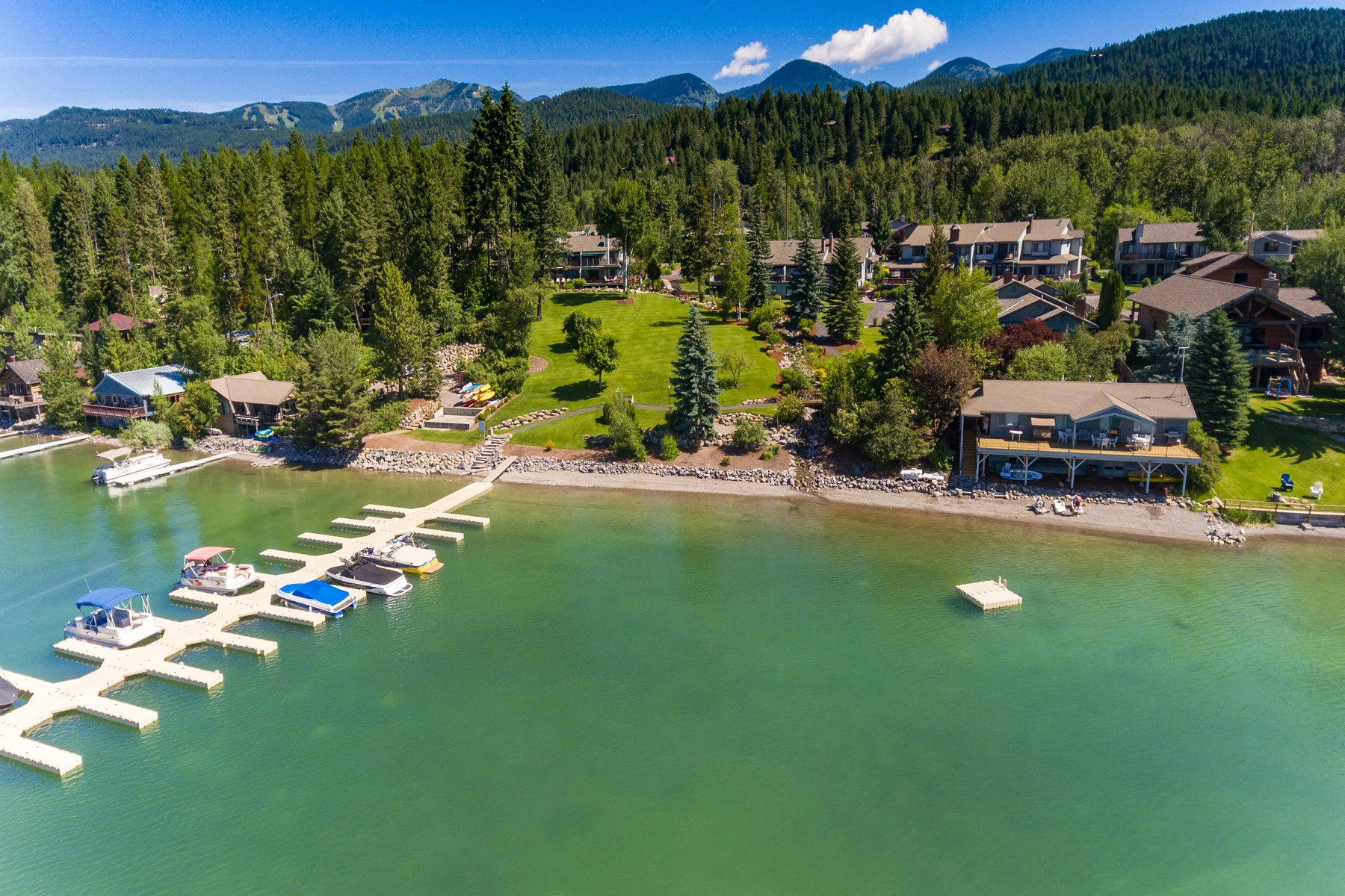 Additional photo for property listing at 1750 E Lakeshore Dr , Whitefish, MT 59937 1750 E Lakeshore Dr Whitefish, Montana 59937 United States