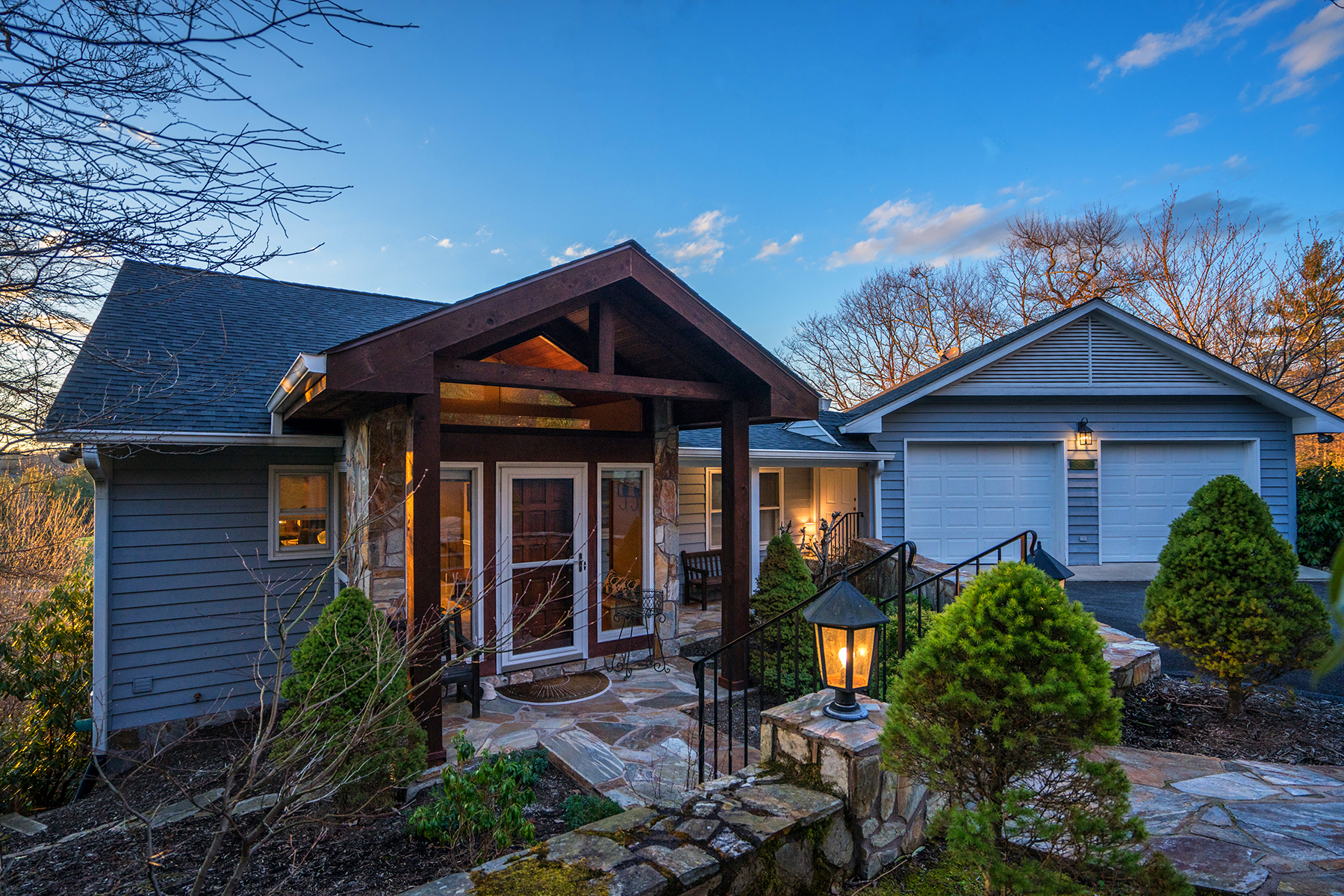 Single Family Home for Sale at BLOWING ROCK 842 Goforth Rd, Blowing Rock, North Carolina 28605 United States