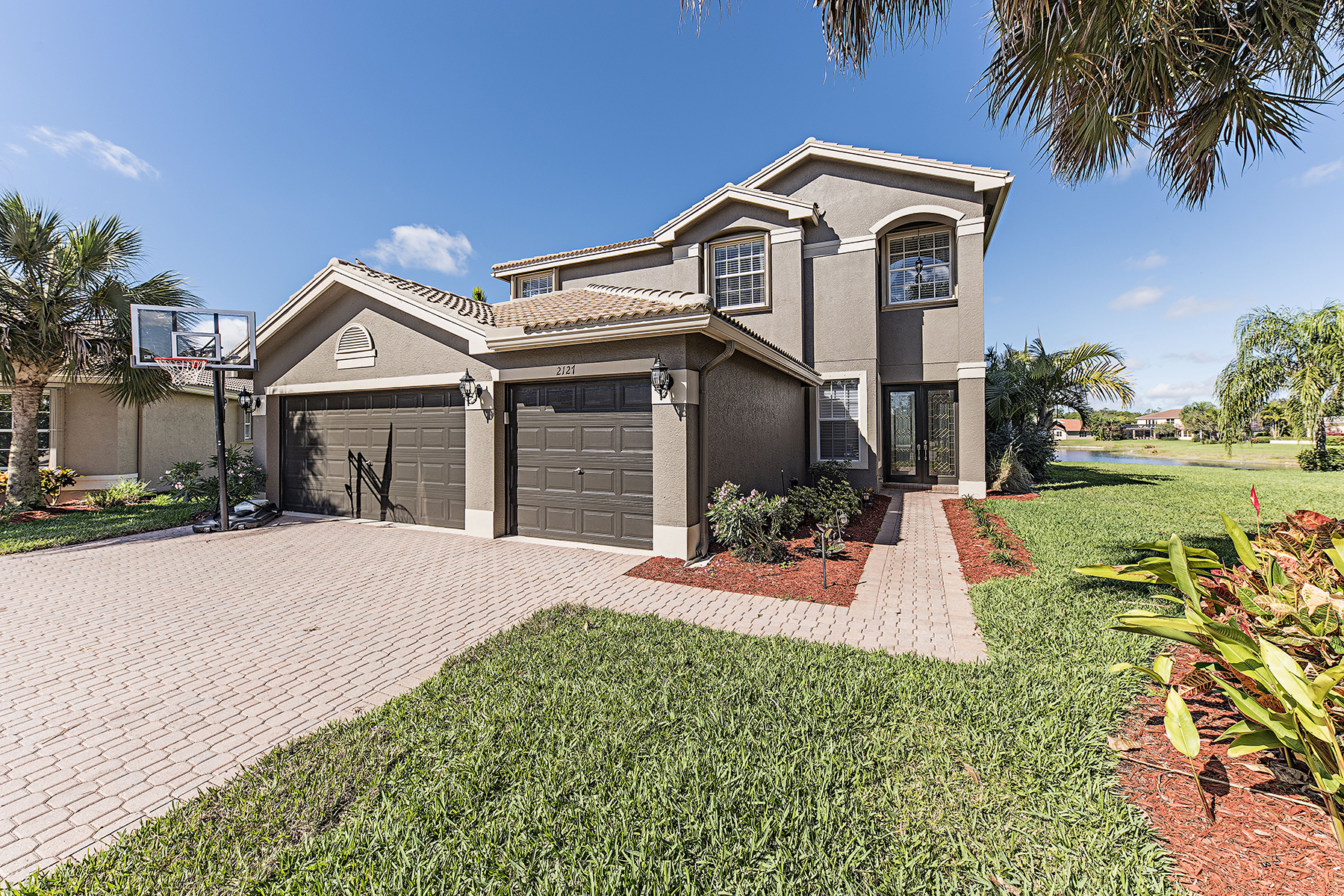 Single Family Home for Sale at Naples 2127 Khasia Pt Naples, Florida, 34119 United States