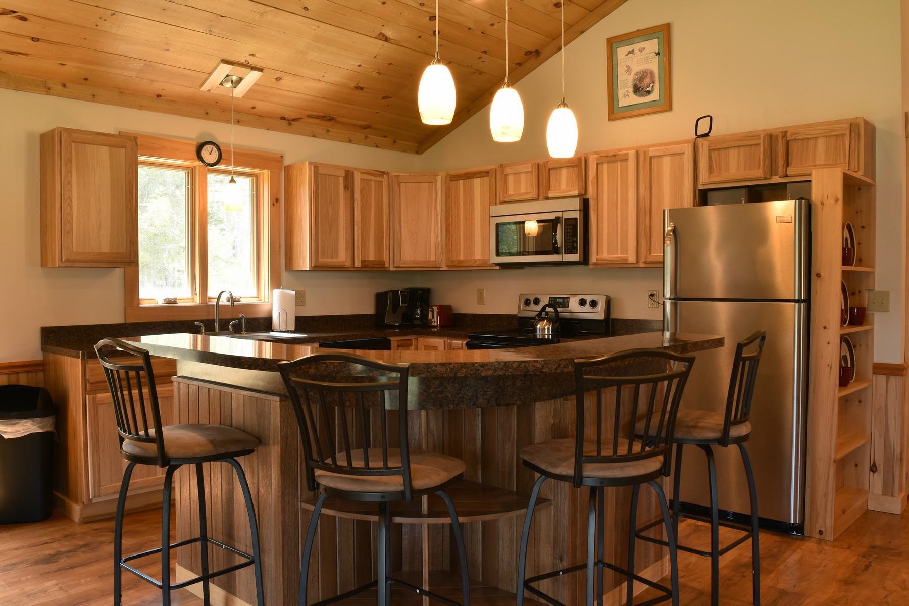 Additional photo for property listing at New Log Chalet 6  Bianca Rd Stony Creek, Nueva York 12878 Estados Unidos