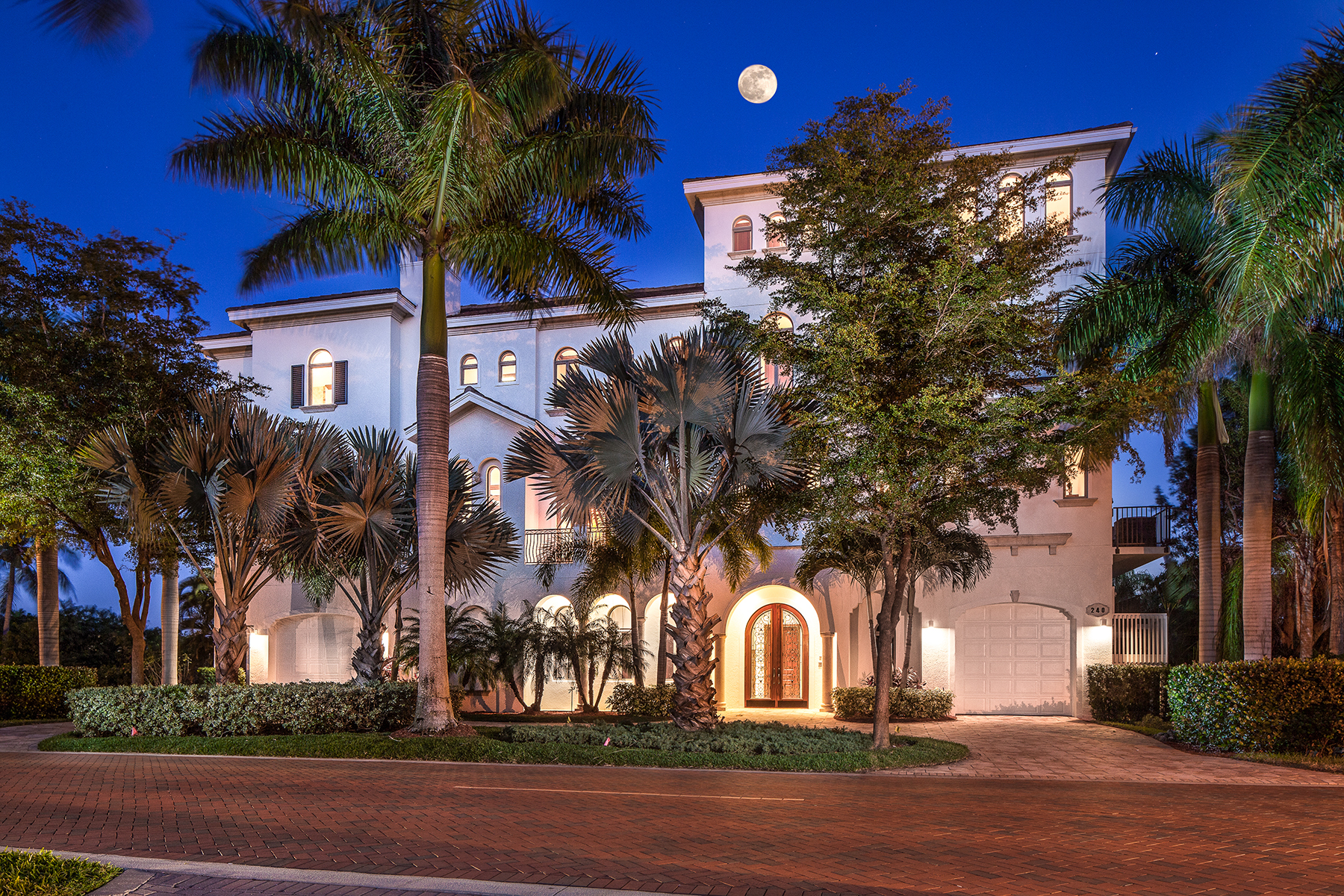 Additional photo for property listing at Naples 240  Barefoot Beach Blvd,  Bonita Springs, Florida 34134 United States