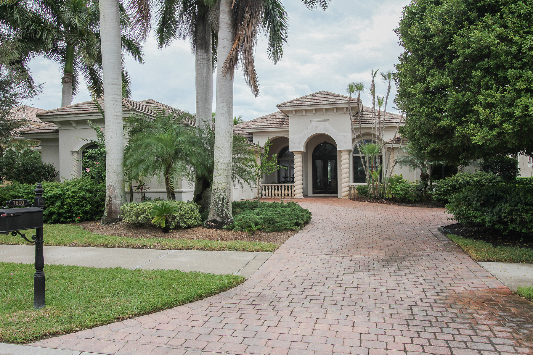 Single Family Home for Rent at FIDDLERS CREEK - MULBERRY ROW 7810 Mulberry Ln, Naples, Florida 34114 United States