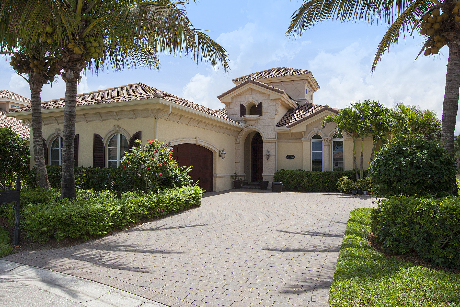 獨棟家庭住宅 為 出售 在 FIDDLERS CREEK 9314 Chiasso Cove Ct Naples, 佛羅里達州, 34114 美國