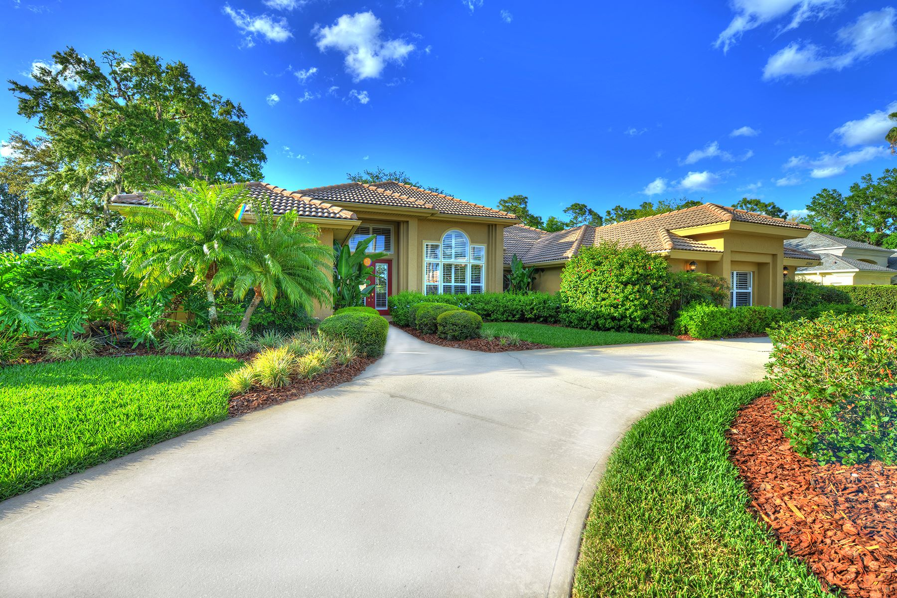 Single Family Home for Sale at SPRUCE CREEK AND THE BEACHES 2709 Autumn Leaves Dr Port Orange, Florida, 32128 United States