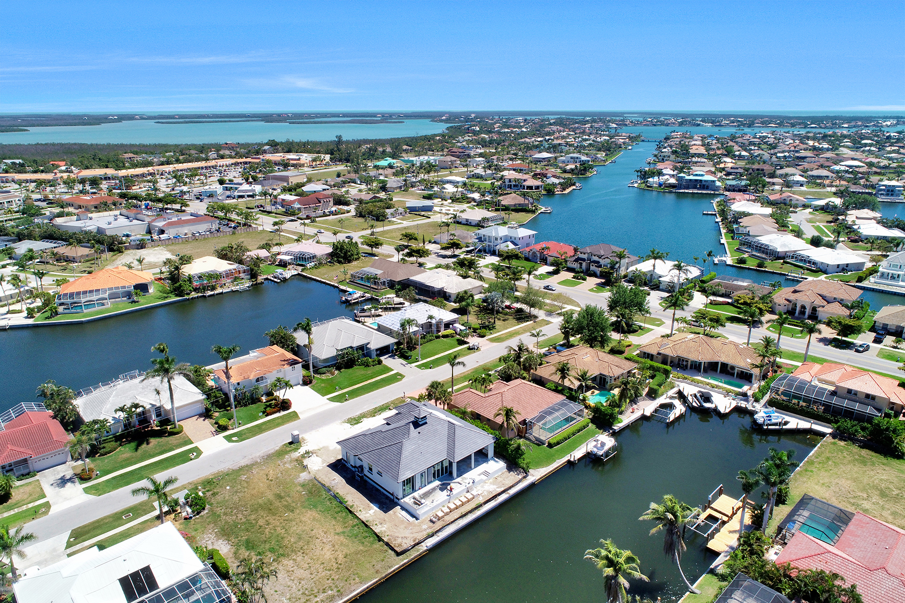 Single Family Home for Sale at MARCO ISLAND 32 Gulfport Ct, Marco Island, Florida 34145 United States