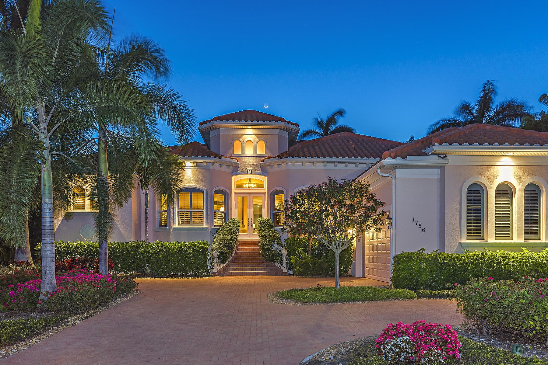 Casa Unifamiliar por un Venta en AQUALANE SHORES 1756 3rd St S Aqualane Shores, Naples, Florida, 34102 Estados Unidos
