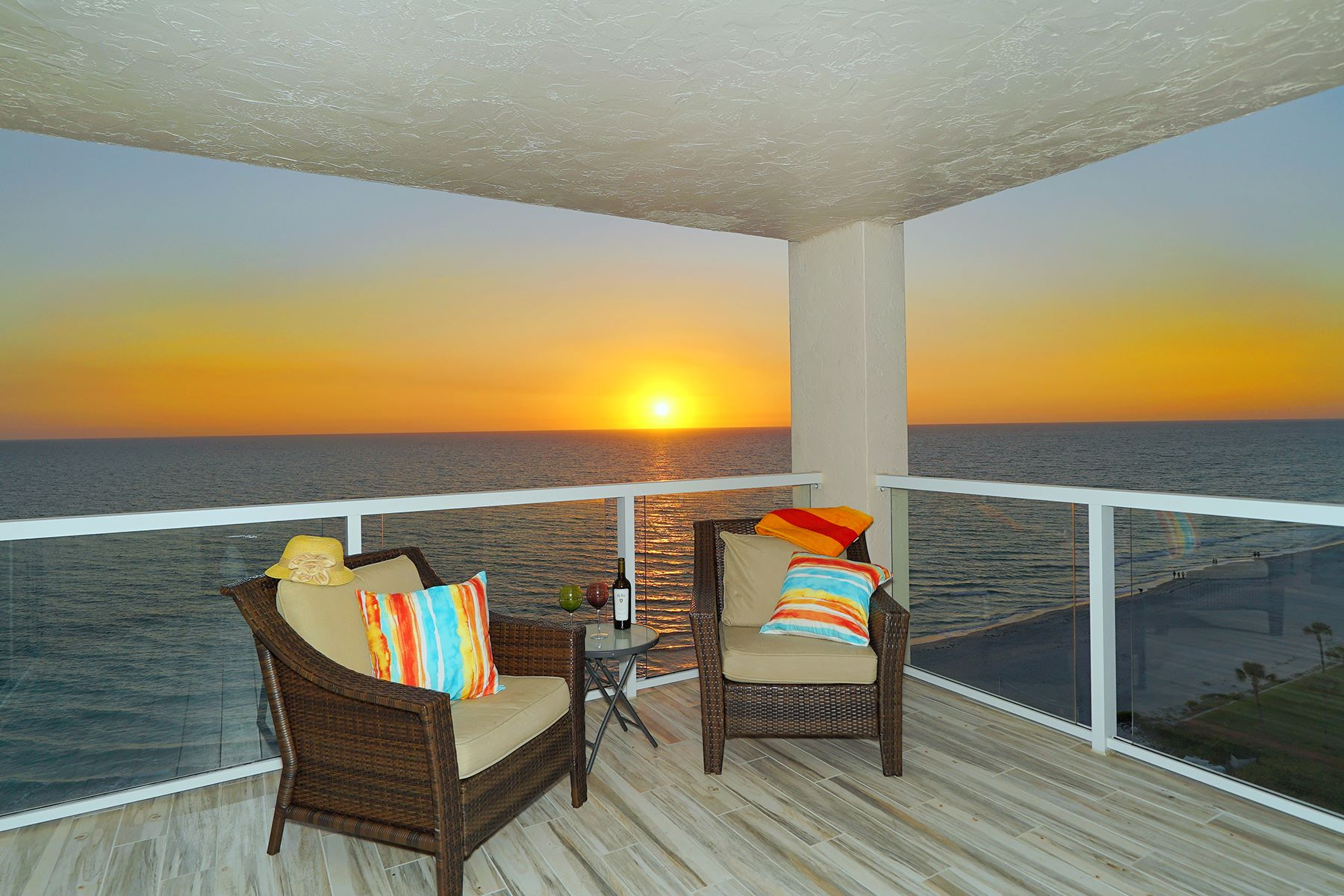 Condominium for Sale at LONGBOAT KEY 2425 Gulf Of Mexico Dr 13F Longboat Key, Florida, 34228 United States