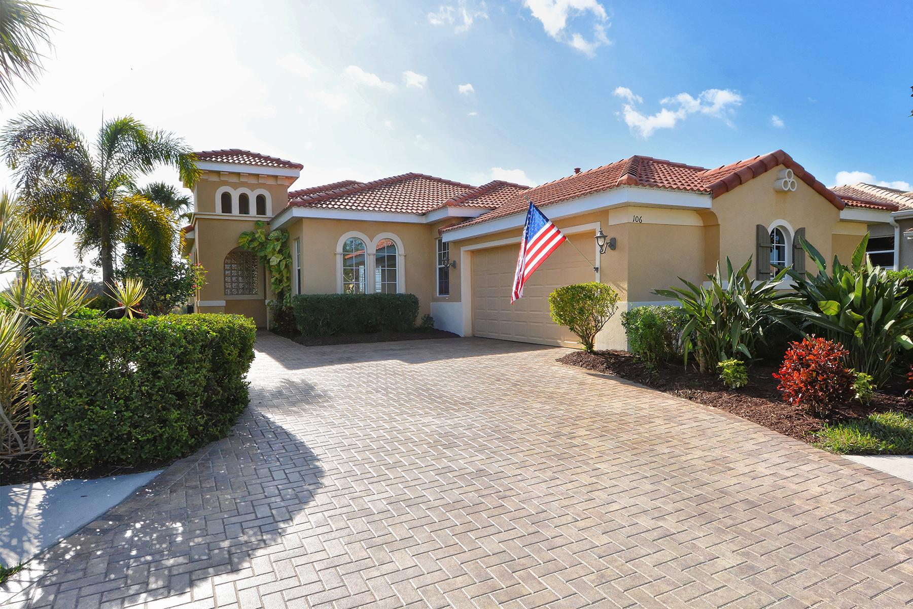 Casa Unifamiliar por un Venta en VENETIAN GOLF & RIVER CLUB 106 Cipriani Ct North Venice, Florida, 34275 Estados Unidos
