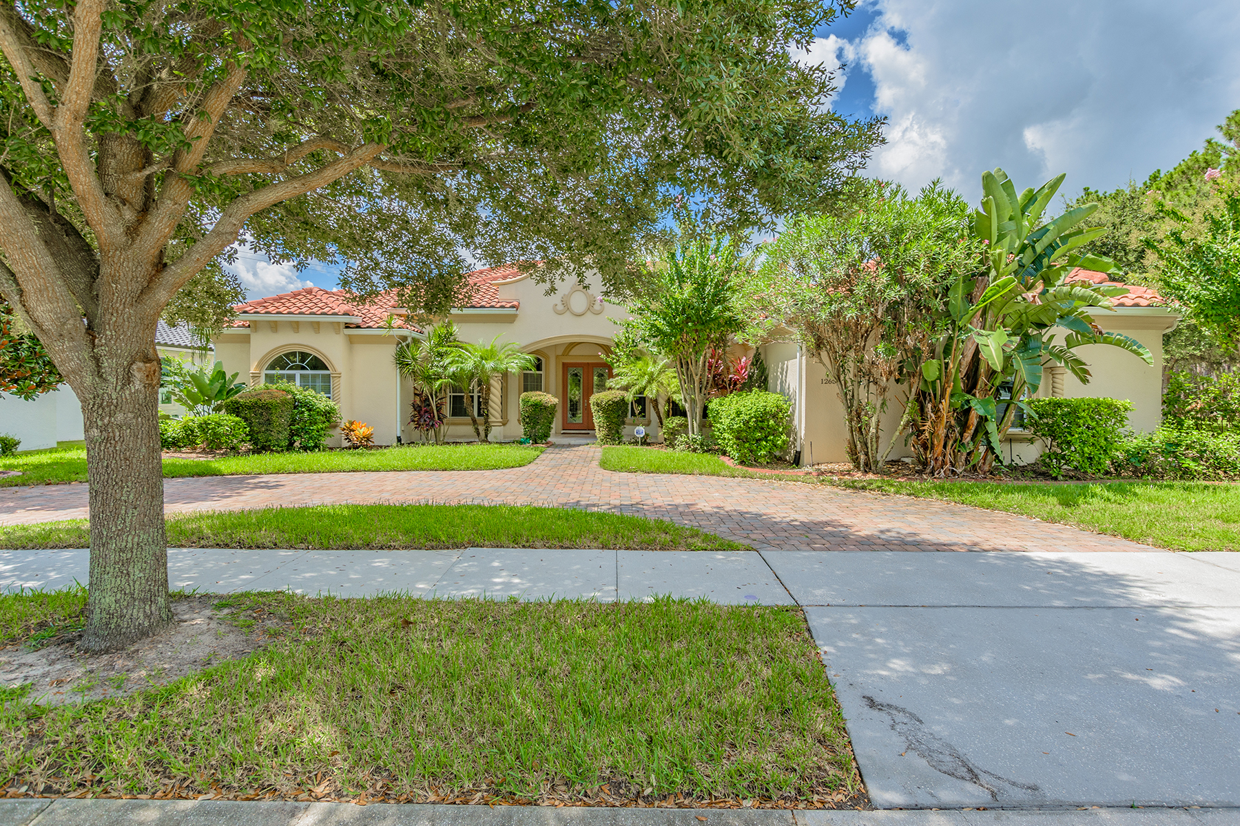Single Family Home for Sale at WINDERMERE-ORLANDO 12650 Hawkstone Dr Windermere, Florida, 34786 United States