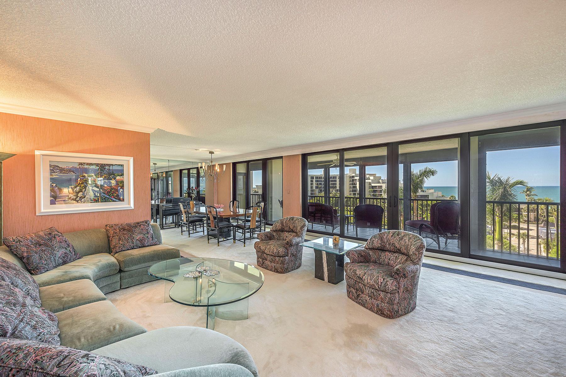 共管式独立产权公寓 为 销售 在 Admiralty Point II 2400 Gulf Shore Blvd N 603, The Moorings, 那不勒斯, 佛罗里达州, 34103 美国