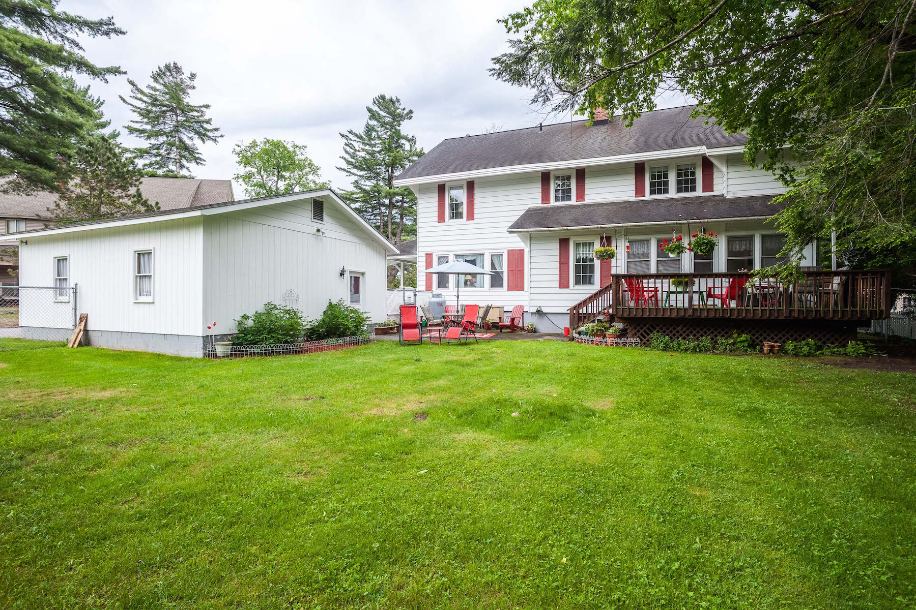 Additional photo for property listing at White House Inn 2945  New York 28 Old Forge, New York 13420 United States