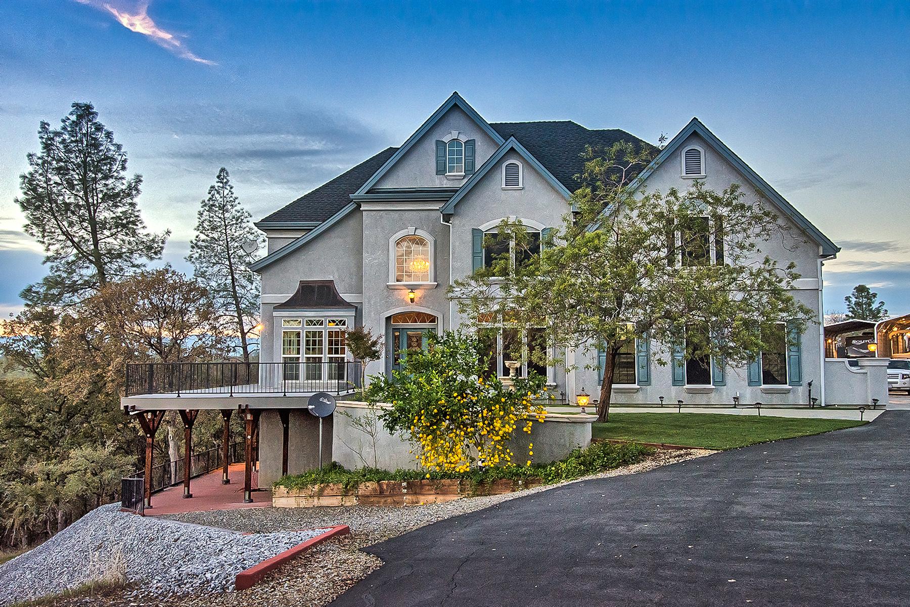 Частный односемейный дом для того Продажа на Elegance and Inspiring Views in Quail Ridge Ranch 17465 Quail Ridge RD Cottonwood, Калифорния 96022 Соединенные Штаты