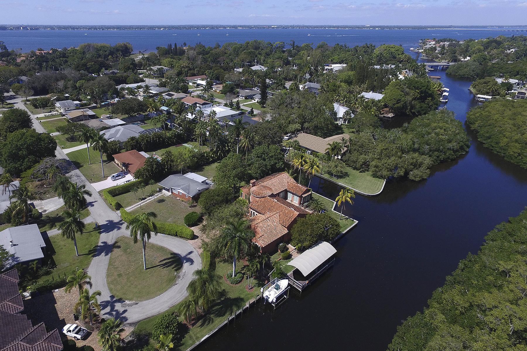 Nhà ở một gia đình vì Bán tại FORT MYERS 1019 Sumica Dr Fort Myers, Florida, 33919 Hoa Kỳ