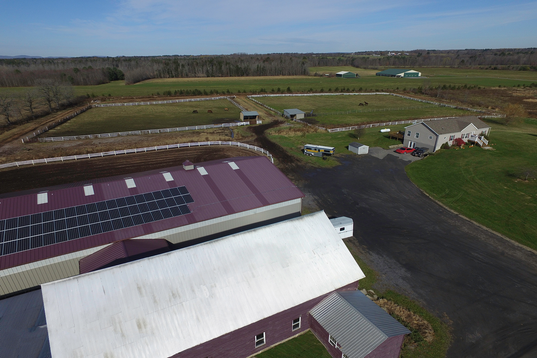 Ferme / Ranch / Plantation pour l Vente à Fully Equipped Equine Training Facility 233 County Highway 132 Hagaman, New York 12086 États-Unis