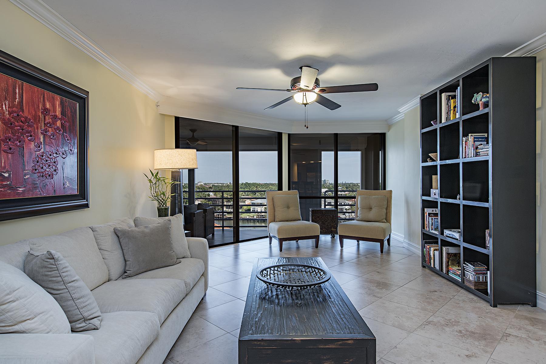 Condomínio para Venda às TERRACES AT PARK SHORE 4751 Gulf Shore Blvd N 802, Naples, Florida, 34103 Estados Unidos