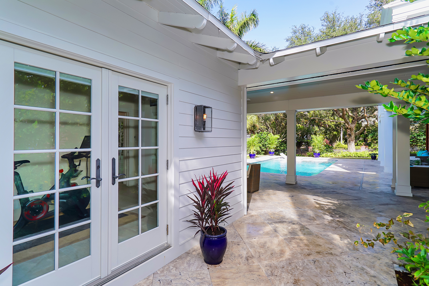 Additional photo for property listing at BAY VIEW HEIGHTS 1718  Bay View Dr,  Sarasota, Florida 34239 United States
