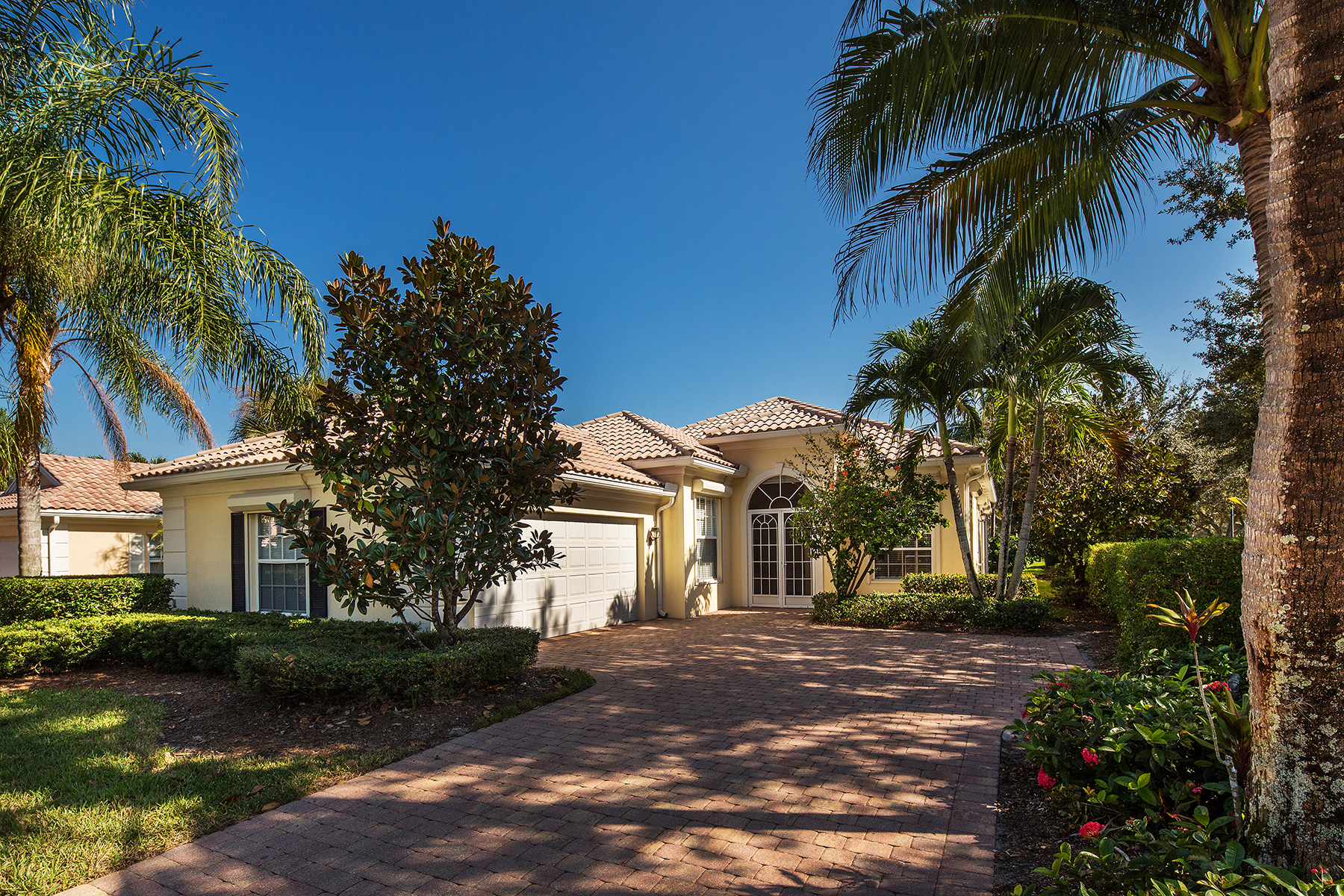 Single Family Home for Sale at Naples 3000 Ellice Way Naples, Florida, 34119 United States
