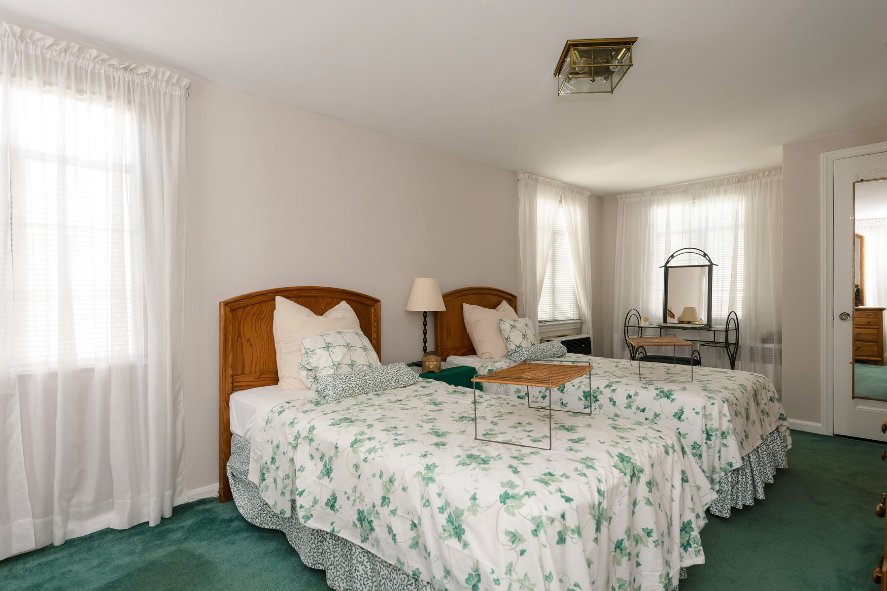 Additional photo for property listing at 80-59  222nd St   , Hollis Hills, NY 11427 80-59  222nd St Queens Village, New York 11427 United States