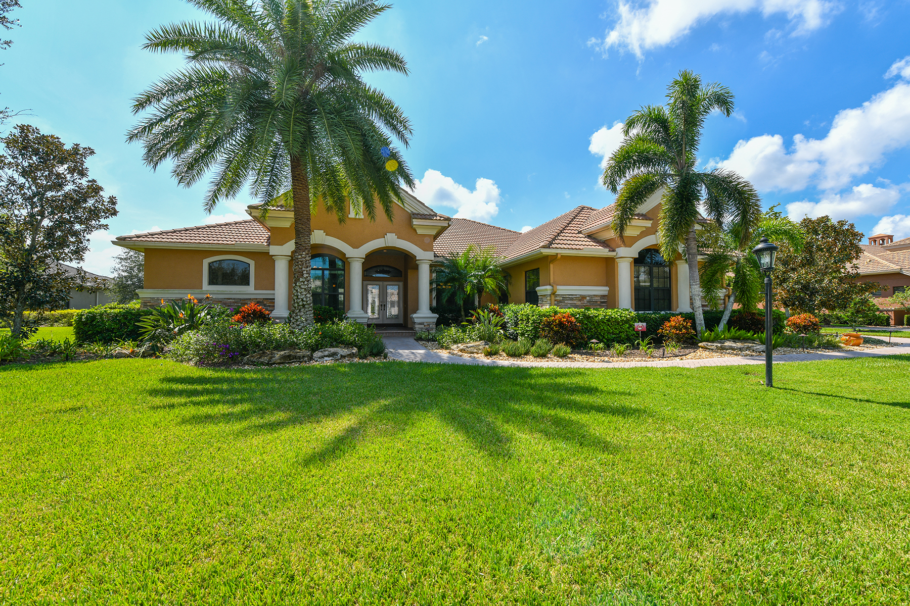Single Family Home for Sale at PRESERVE AT HERON LAKE 7542 Conservation Ct, Sarasota, Florida, 34241 United States
