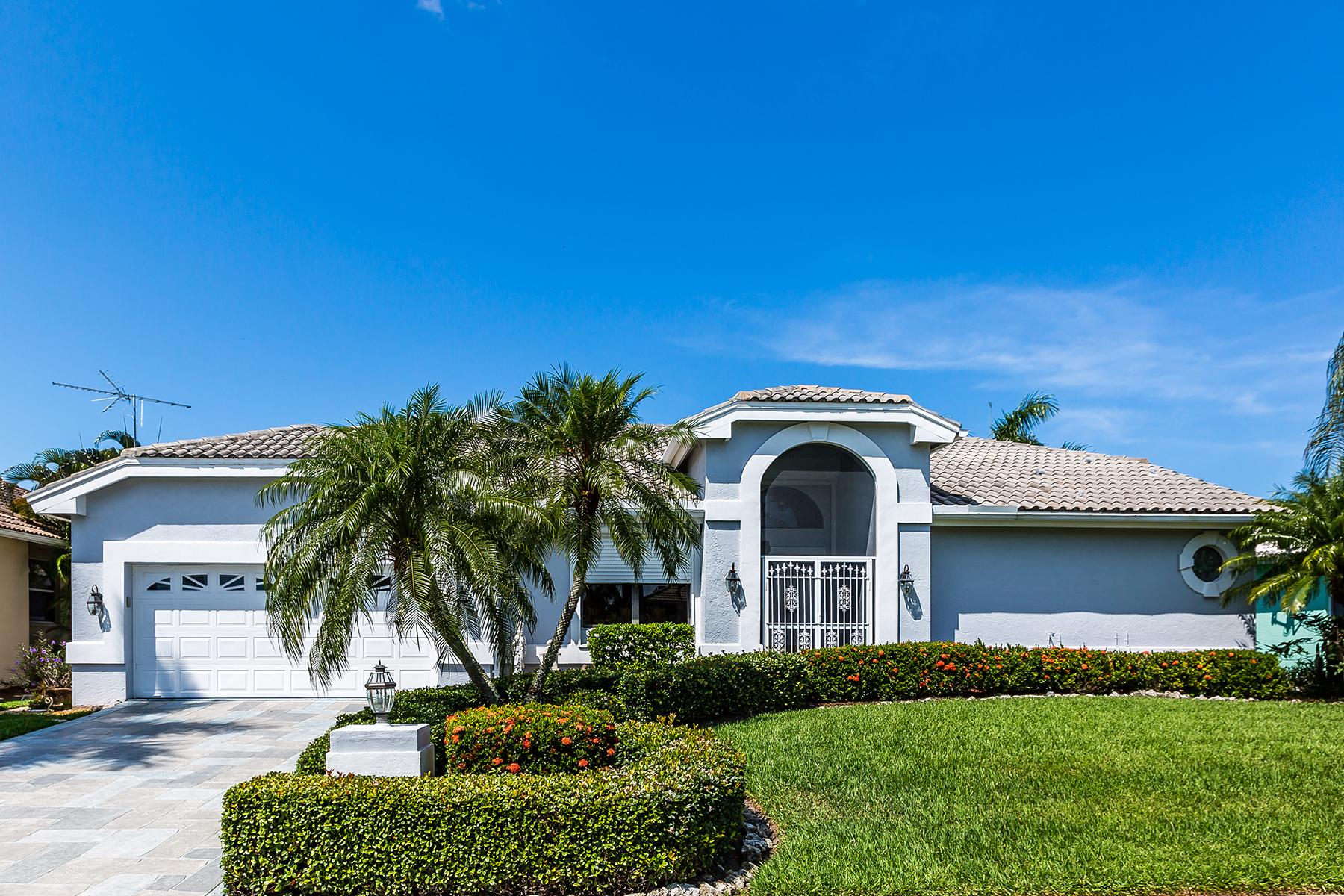 Nhà ở một gia đình vì Bán tại MARCO ISLAND 248 Seminole Ct Marco Island, Florida, 34145 Hoa Kỳ