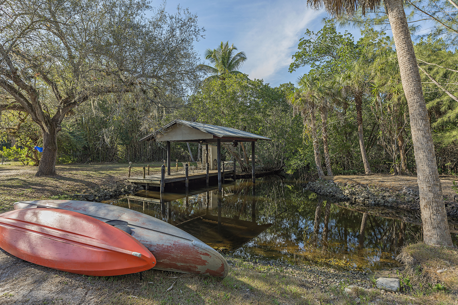 Land for Sale at COCONUT GROVE 1067 Shadowlawn Dr Naples, Florida, 34104 United States
