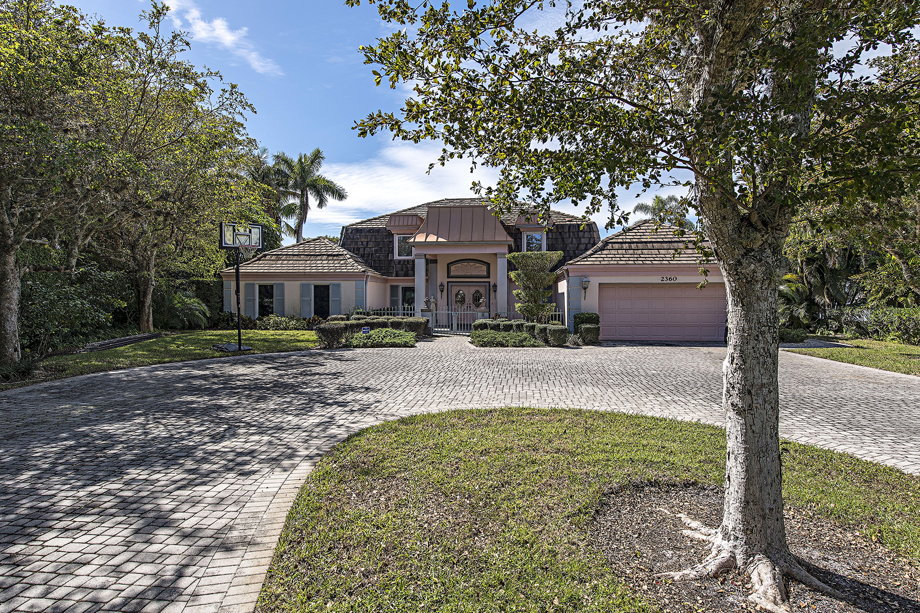 Single Family Home for Sale at ROYAL HARBOR 2360 Kingfish Rd, Naples, Florida 34102 United States