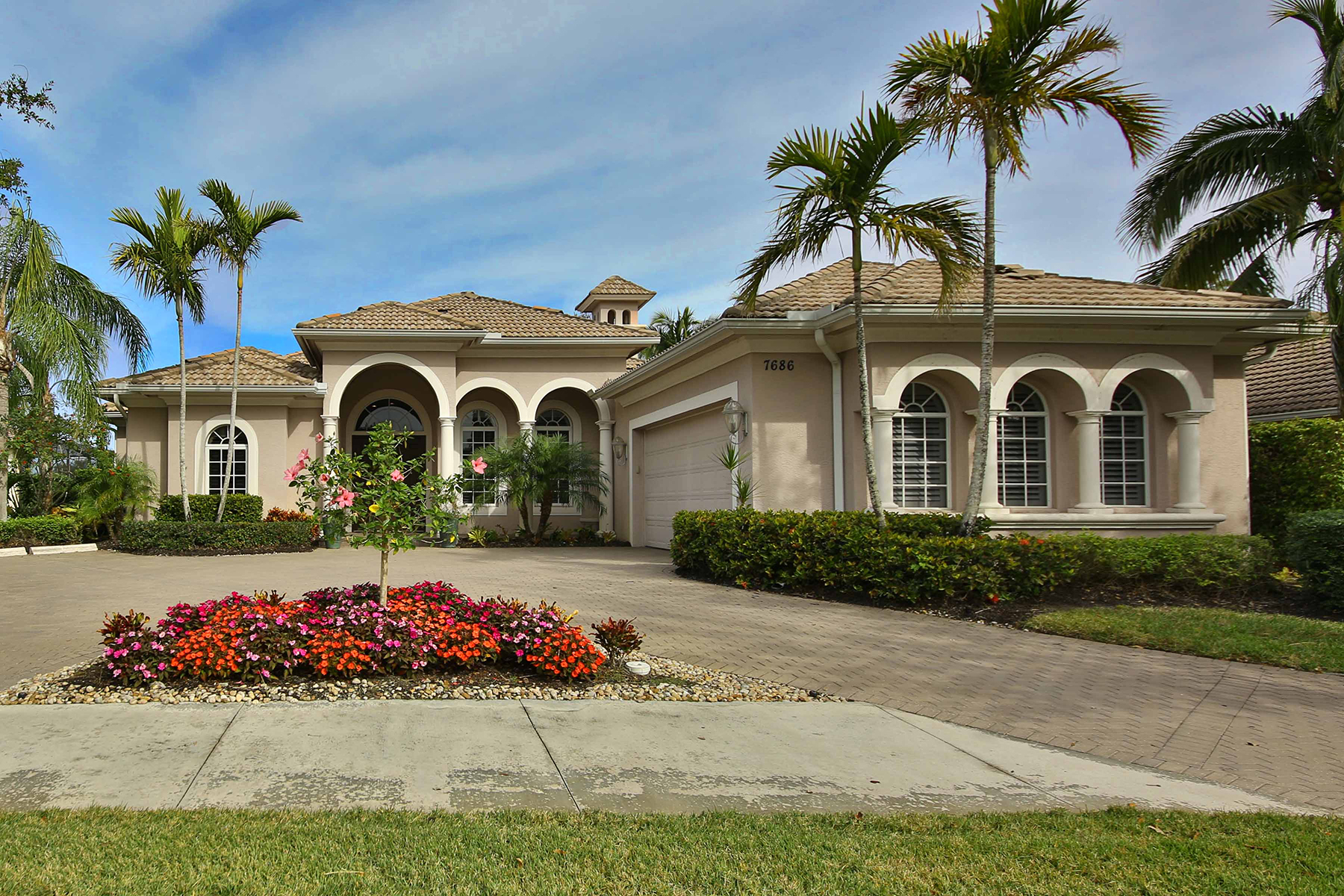 独户住宅 为 销售 在 FIDDLERS CREEK 7686 Mulberry Ln, 那不勒斯, 佛罗里达州, 34114 美国
