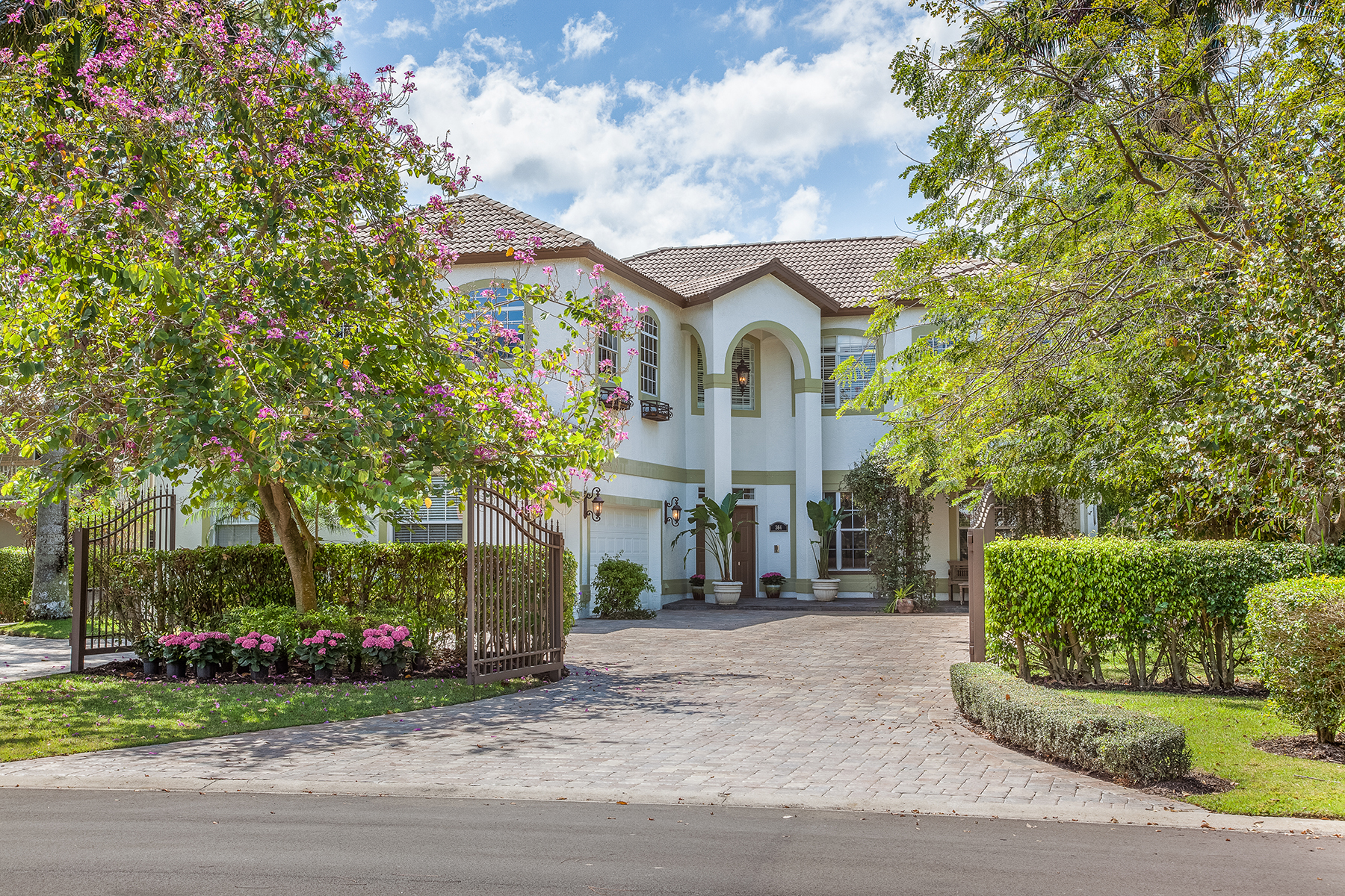 Single Family Home for Sale at NORTHGATE-NORTHGATE VILLAGE 364 Burning Tree Dr, Naples, Florida 34105 United States