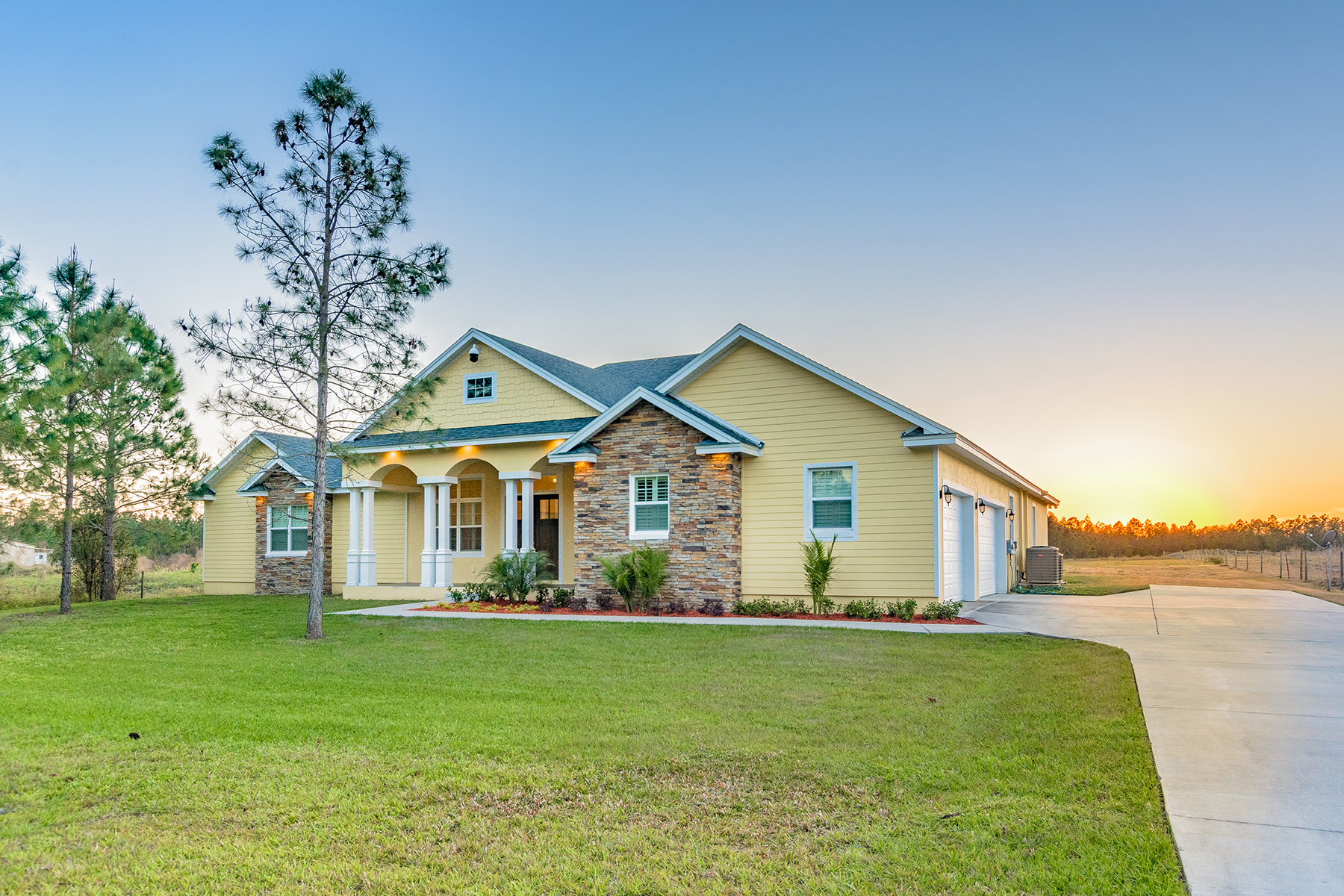 Частный односемейный дом для того Продажа на 12525 Sweet Hill Rd , Polk City, FL 33868 12525 Sweet Hill Rd Polk City, Флорида 33868 Соединенные Штаты