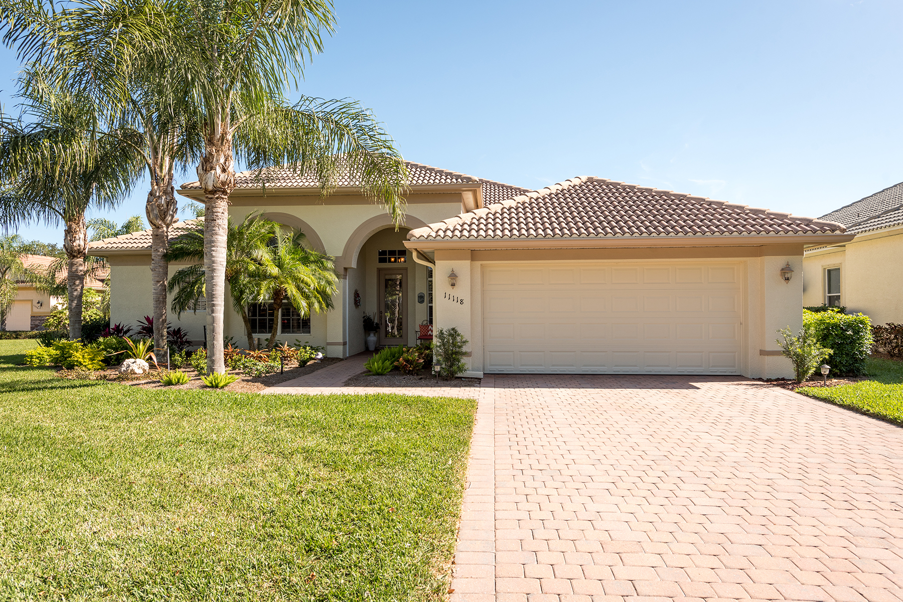 Single Family Home for Sale at COCO BAY 11118 Sea Tropic Ln, Fort Myers, Florida 33908 United States