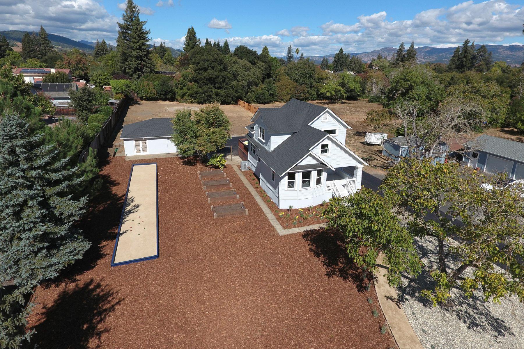 Casa Unifamiliar por un Venta en A Savvy Country Retreat on an Exquisite Lot 2588 Redwood Rd Napa, California, 94558 Estados Unidos