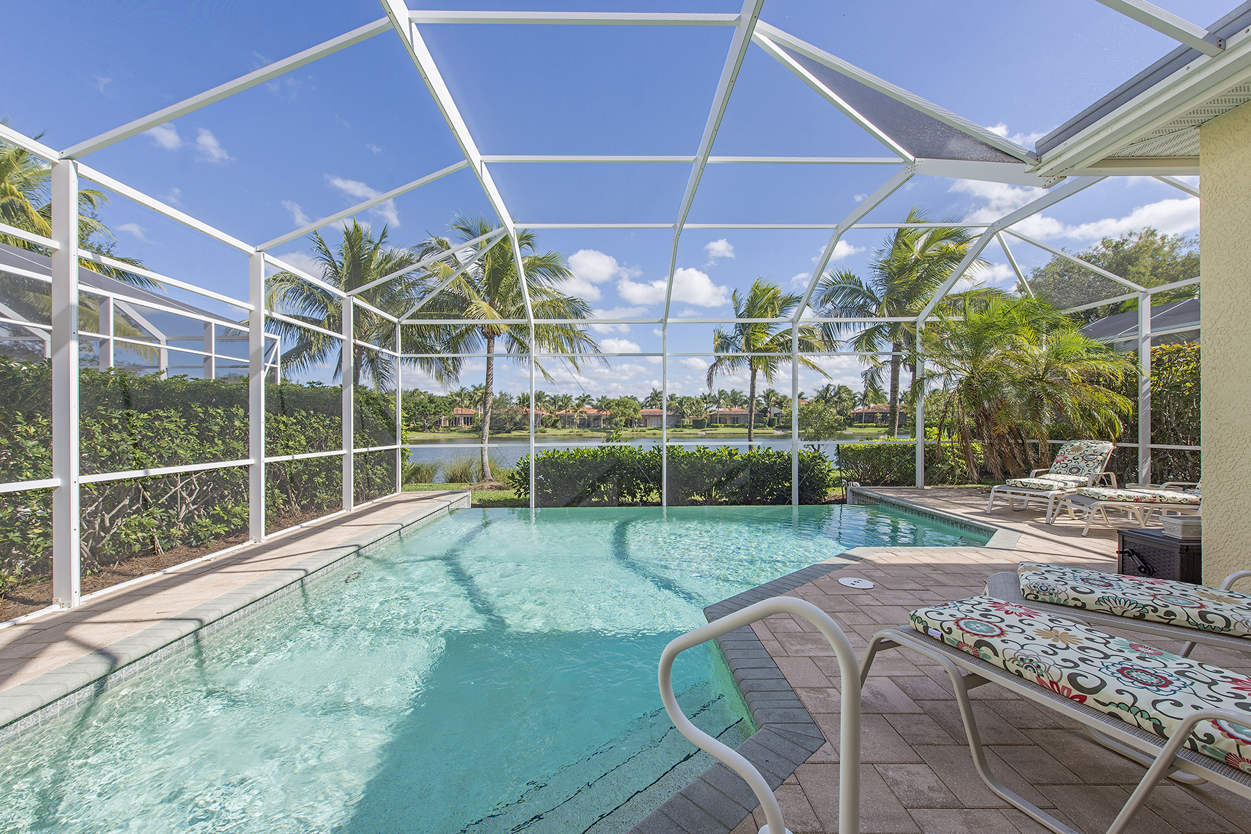 Maison unifamiliale pour l Vente à FIDDLERS CREEK 8532 Mallards Pt Naples, Florida, 34114 États-Unis