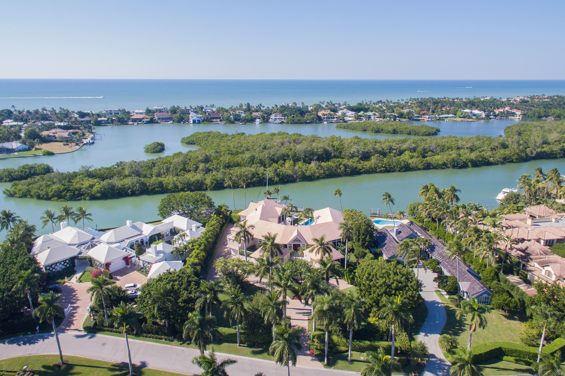 Additional photo for property listing at Port Royal 3800  Fort Charles Dr,  Naples, Florida 34102 United States
