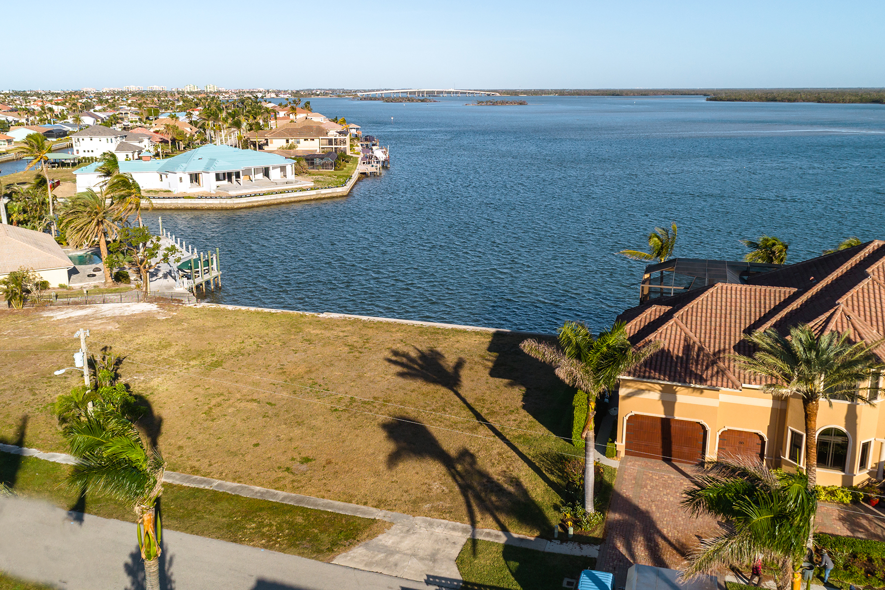 Additional photo for property listing at MARCO ISLAND 1878  Cascade Ct,  Marco Island, Florida 34145 United States
