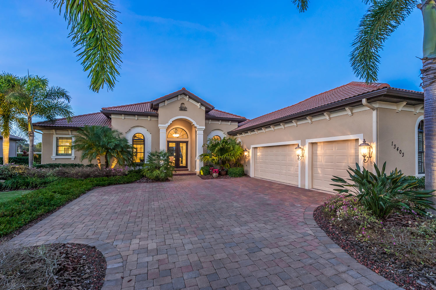 Single Family Home for Sale at LAKEWOOD RANCH COUNTRY CLUB 13403 Matanzas Pl, Lakewood Ranch, Florida 34202 United States