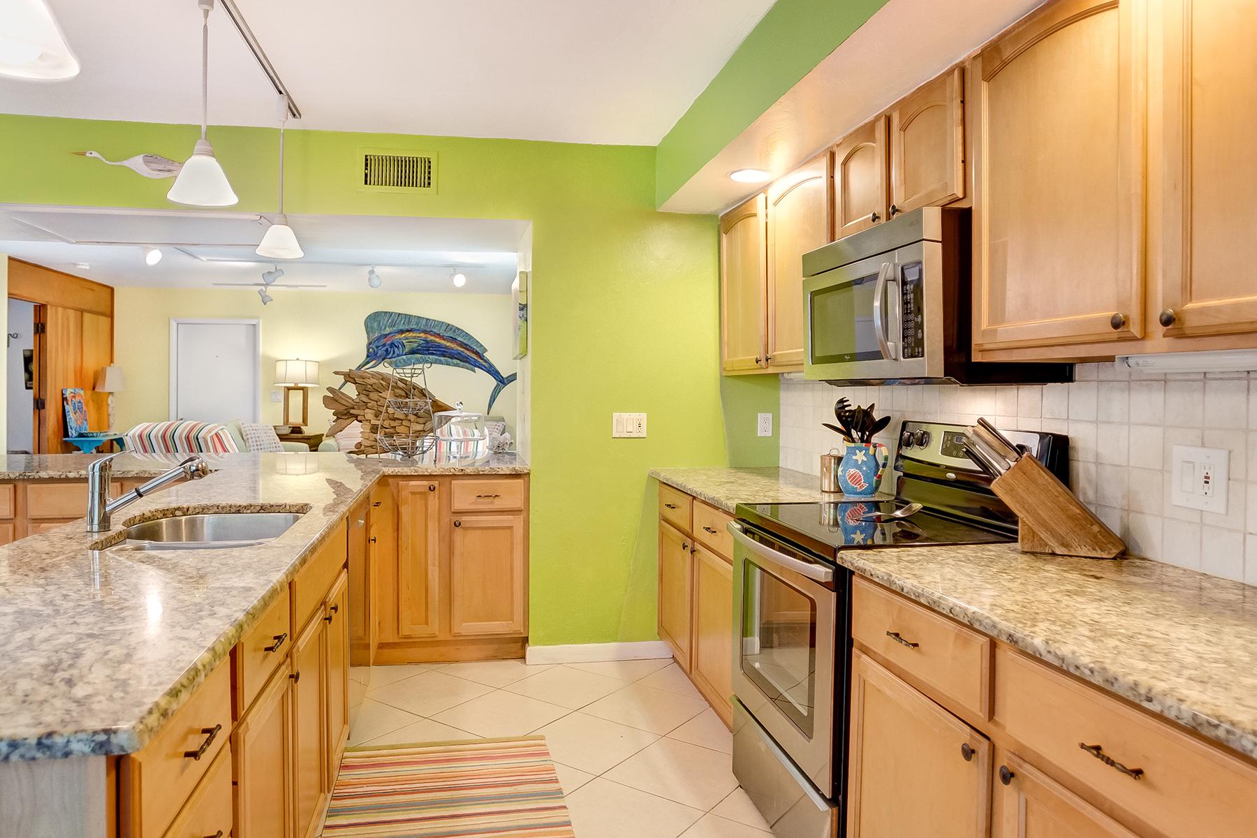 Additional photo for property listing at SANIBEL 1035 S Yachtsman Dr,  Sanibel, Florida 33957 United States
