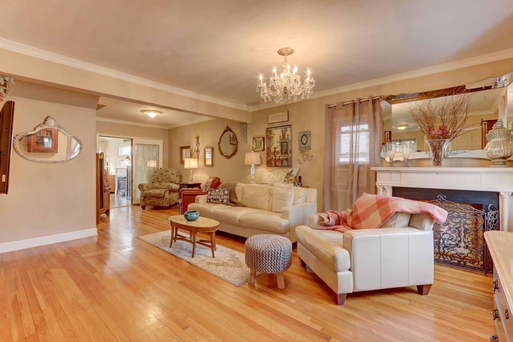 Maison unifamiliale pour l à vendre à 230 Jefferson St , Franklin Square, NY 11010 230 Jefferson St, Franklin Square, New York, 11010 États-Unis